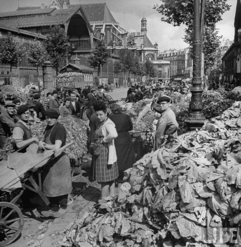 le Halle market, Paris, ca. 1879